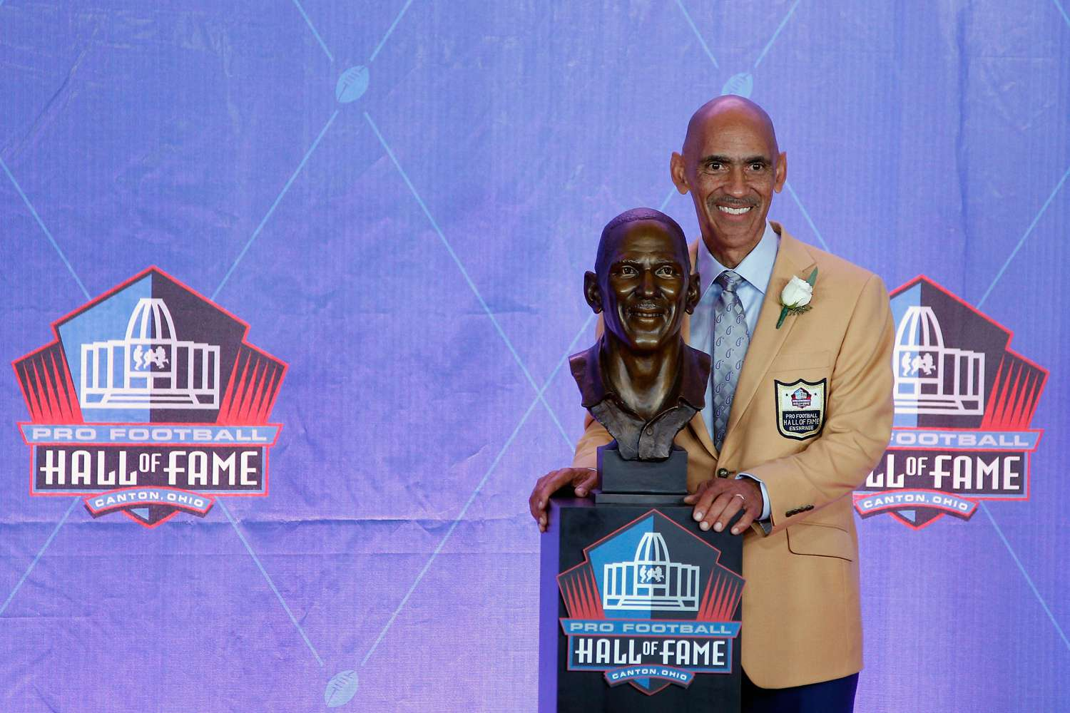 Tony Dungy at NFL Hall of Fame Enshrinement Ceremony