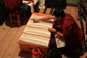 Tibetan-sutras.jpg