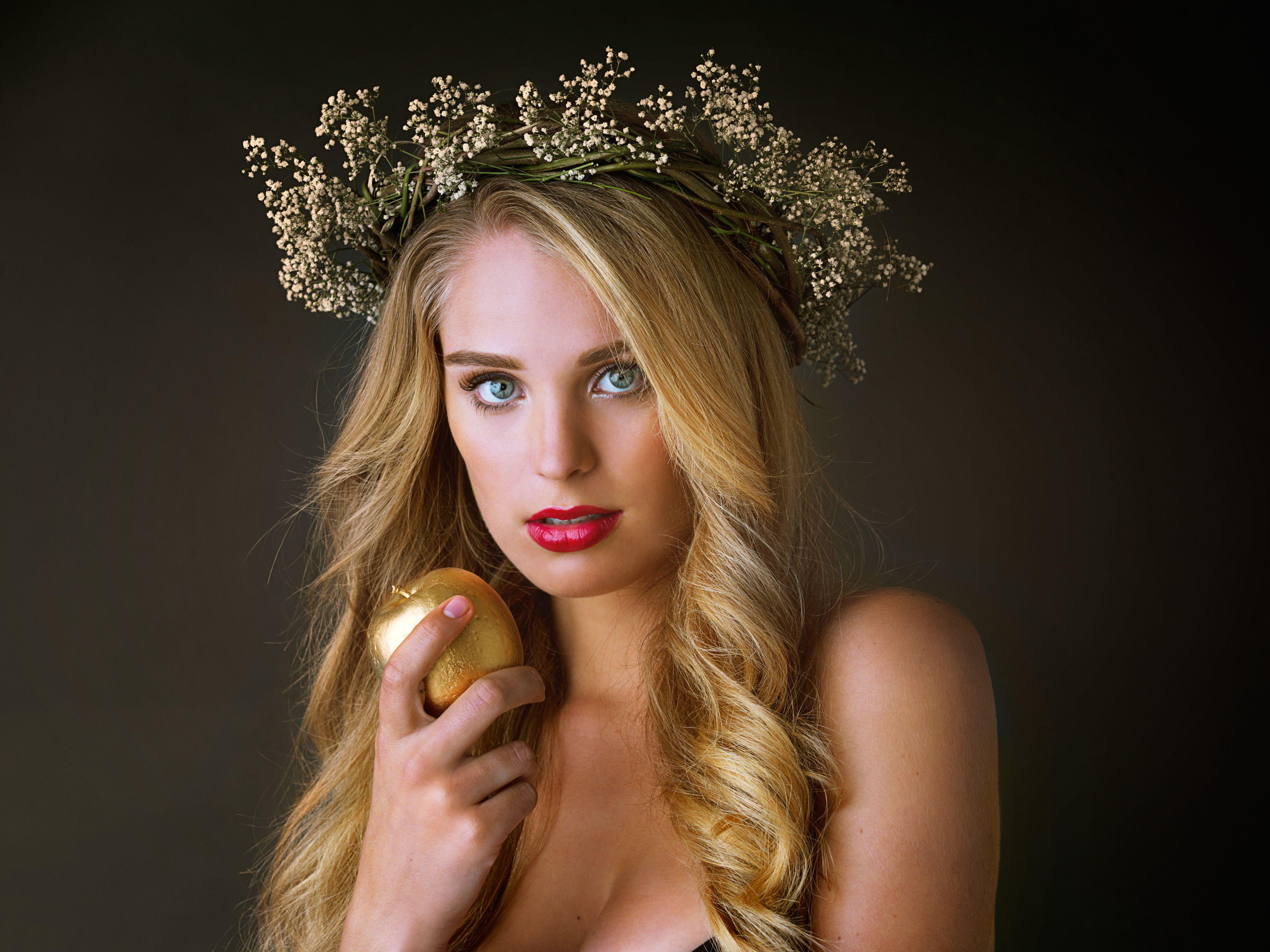Goddess with golden apple