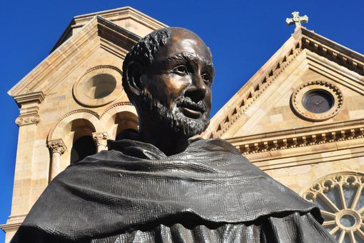 A statue of St. Francis de Assisi