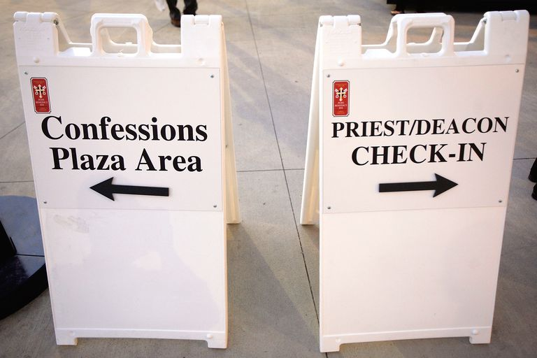 Confessions Plaza Sign at Papal Mass in DC