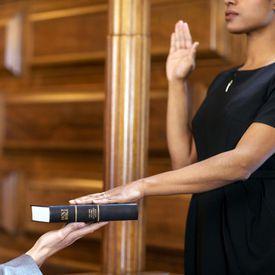 Swearing an Oath in Court