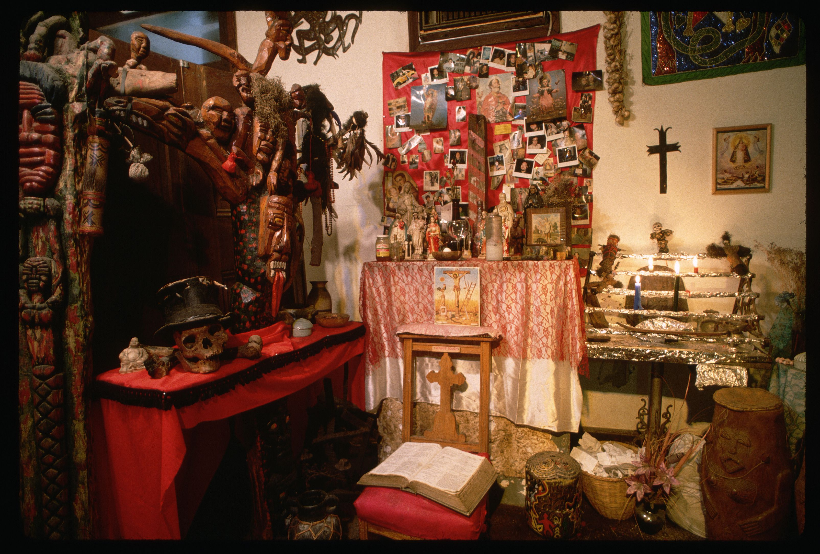 Interior of the New Orleans Historic Voodoo Museum