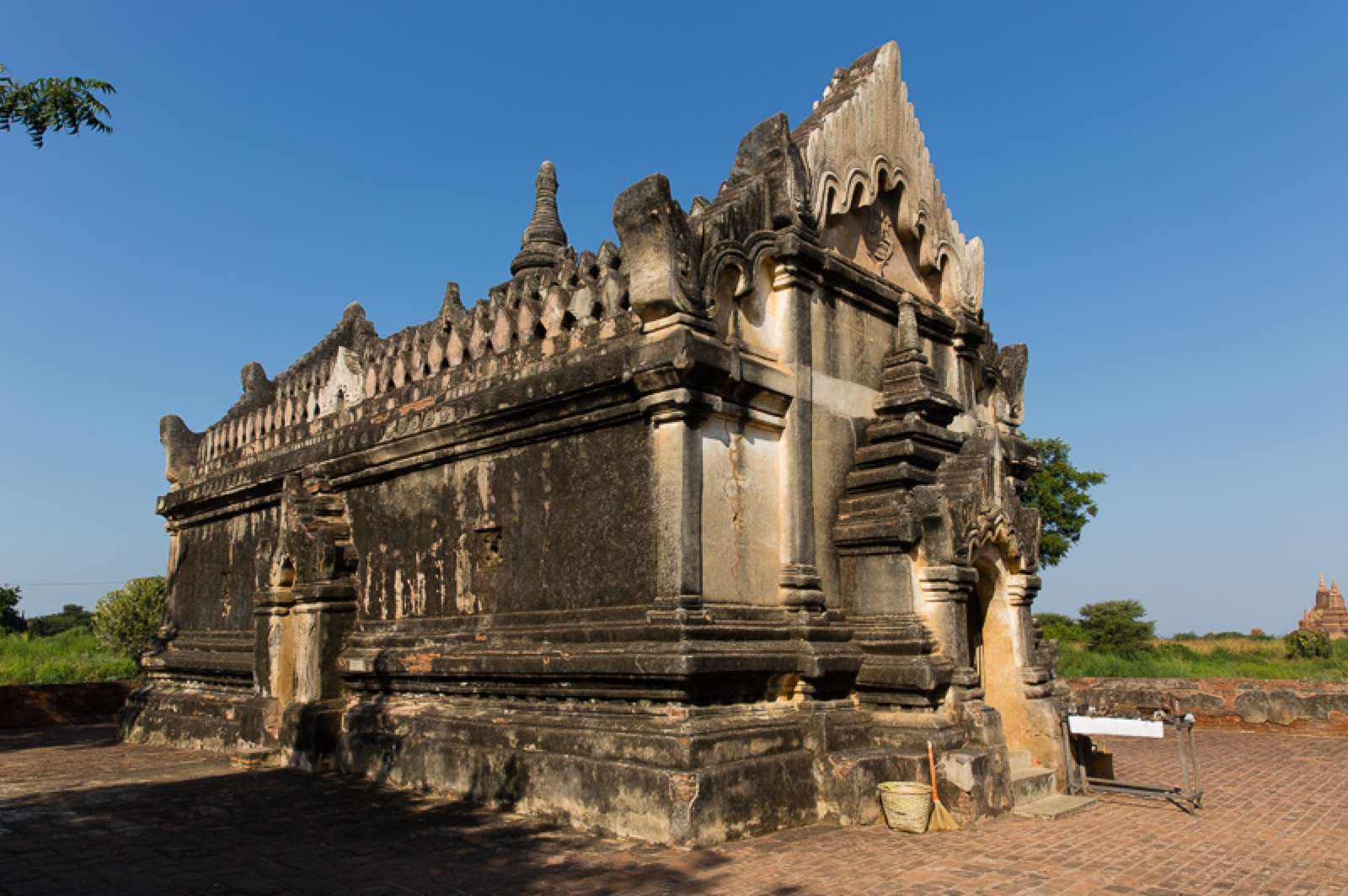 The Upali Thein temple on a sunny day.