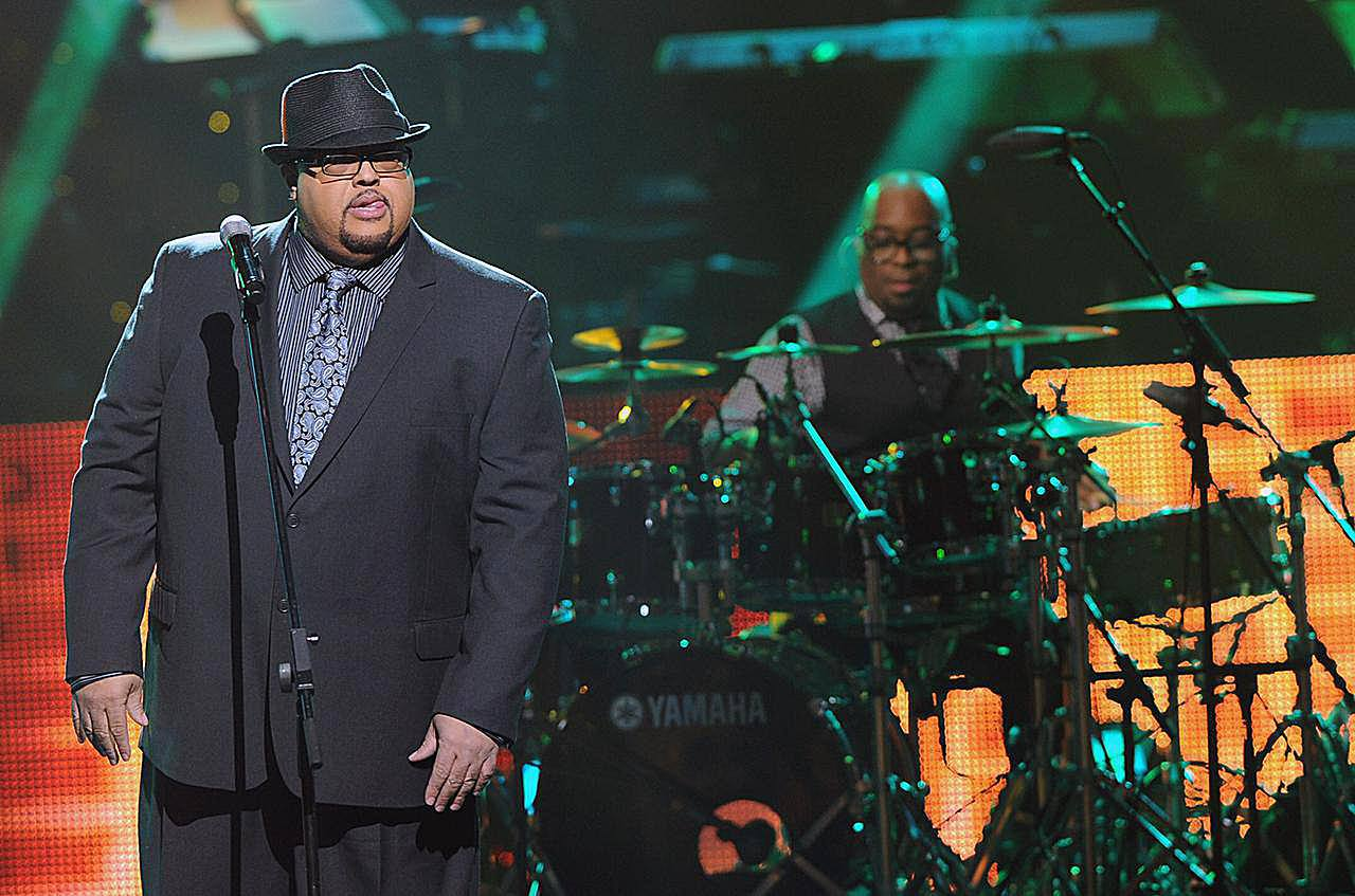 Fred Hammond performs during the 27th Annual Stellar Awards at the Grand Ole Opry House (2012)