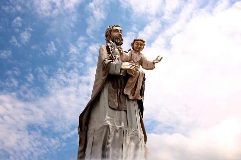 Saint Joseph and the Christ Child statue