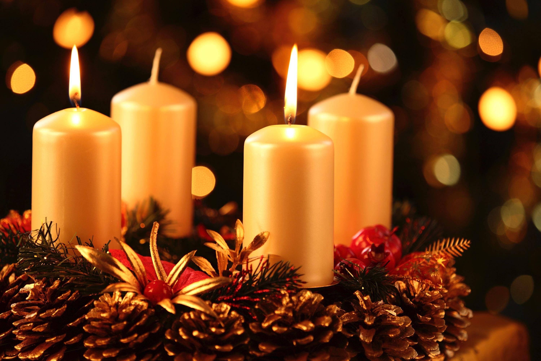 Advent wreath praying angels