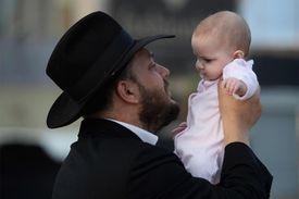 Ultra-Orthodox Jews Perform Tashlich Ceremony