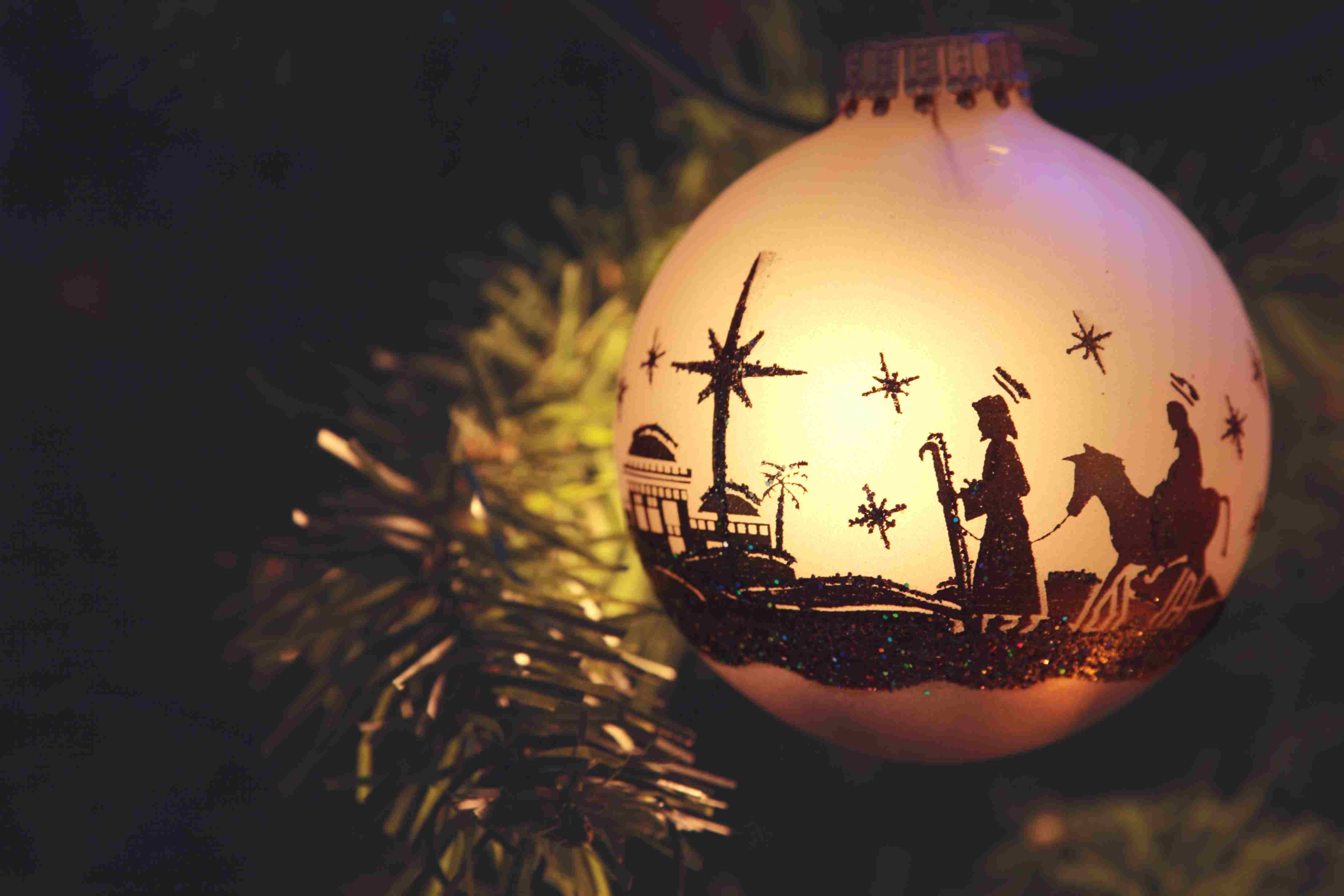 Religious: Nativity Scene silhouette on Christmas Ornament