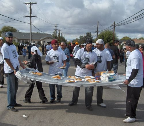 Yuba City Youths Distributing Langar in Sikh Parade
