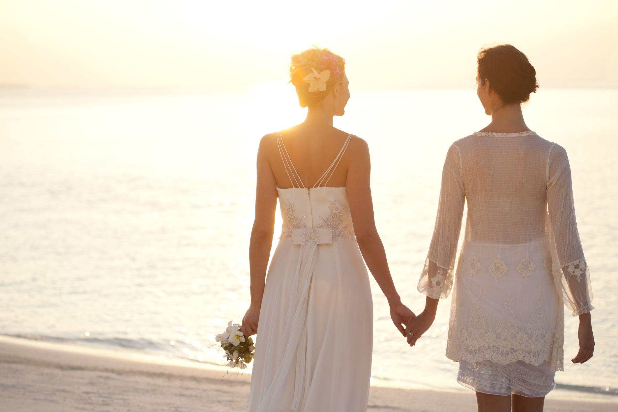 WeddingBeach1500.jpg