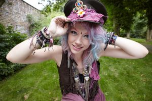 Ffestival girl in hat