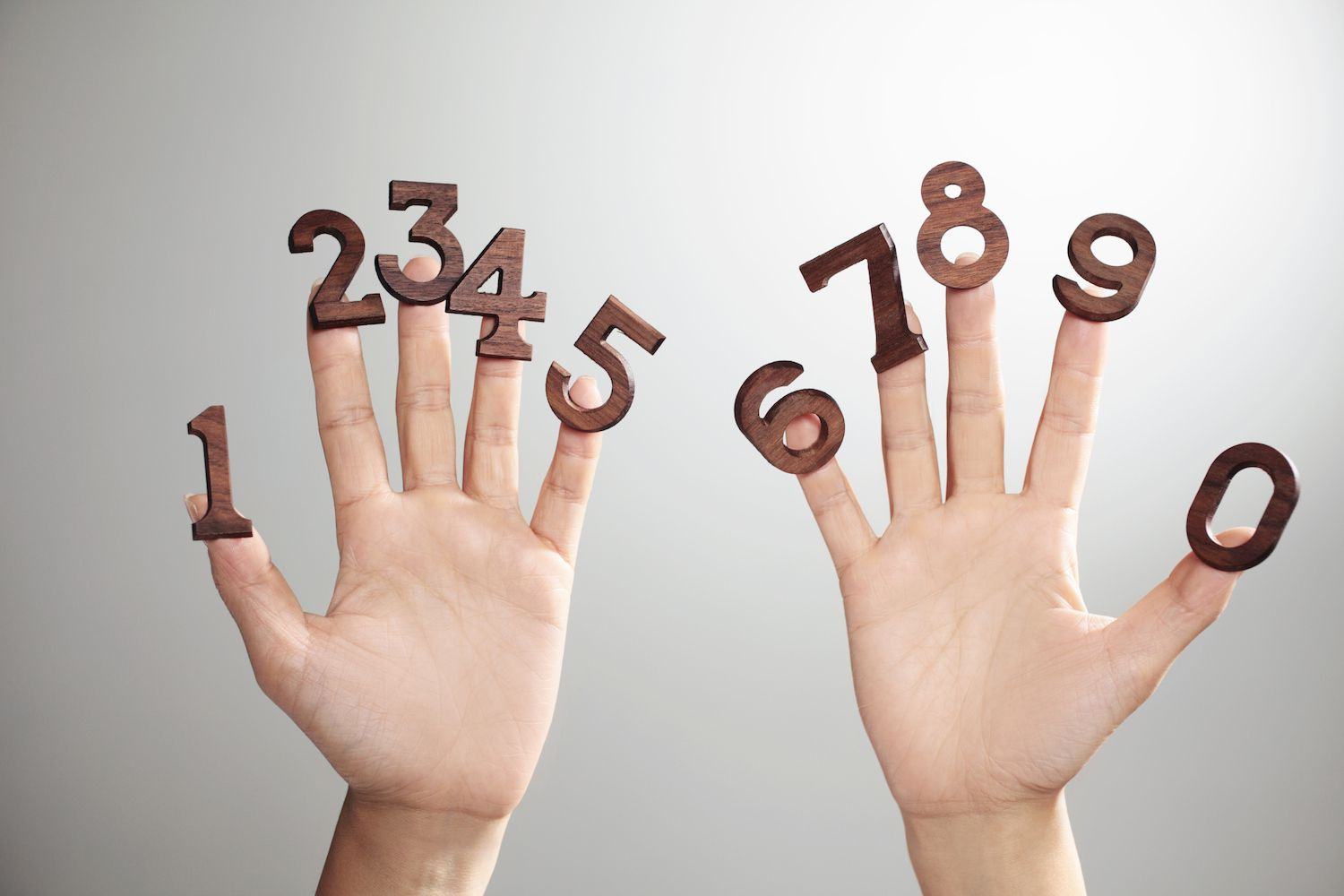 numbers on fingers