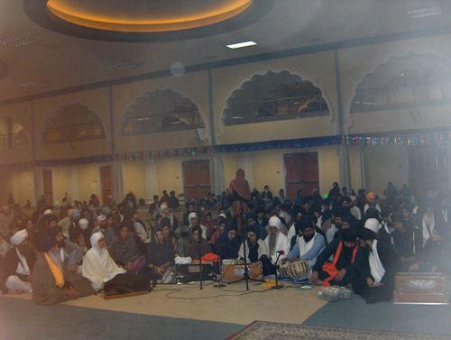 AKJ Kirtani at Rain Sabaee Kirtan Smagham February 2012