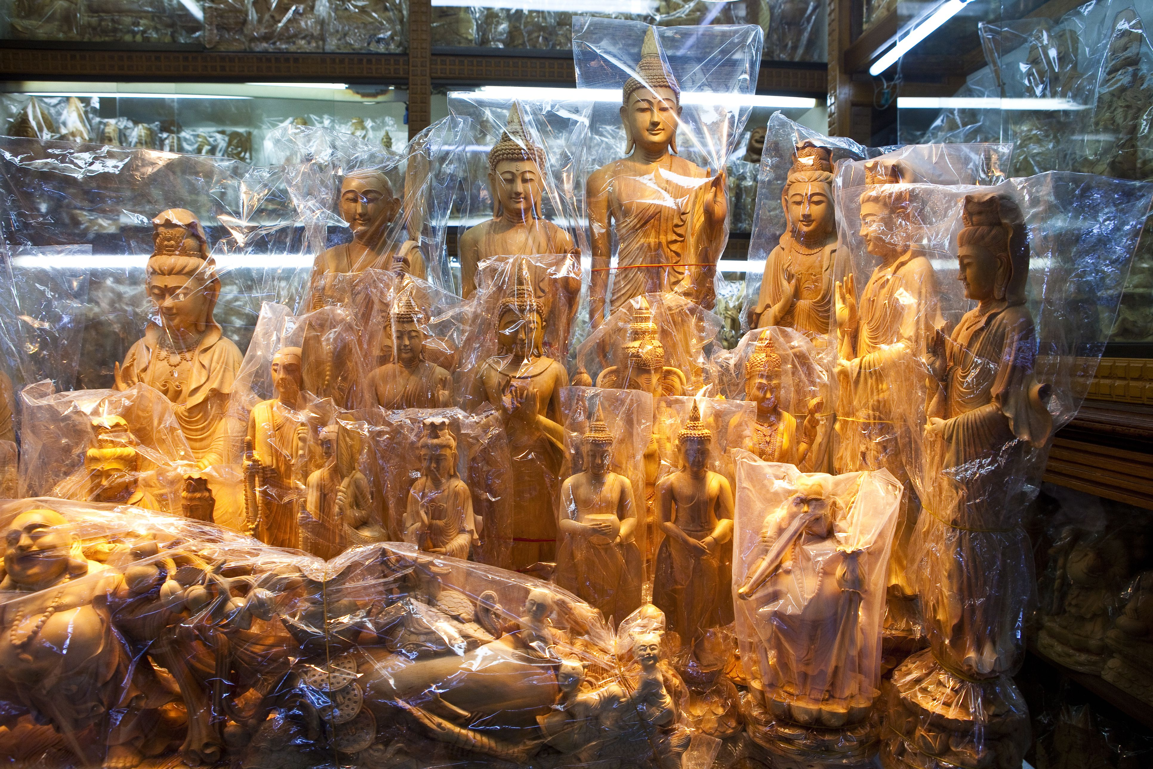 Sandalwood Buddha statues, Bogyoke Aung San market