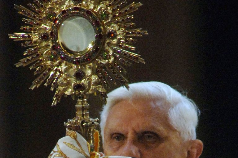 Pope Benedict XVI offers benediction