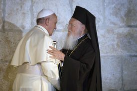 Pope Francis and Ecumenical Patriarch Bartholomew meet in Jerusalem