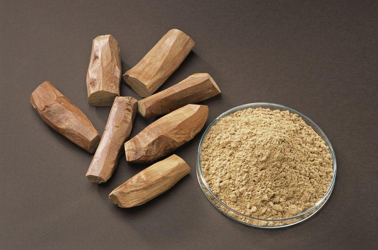 Powdered and whole sandalwood