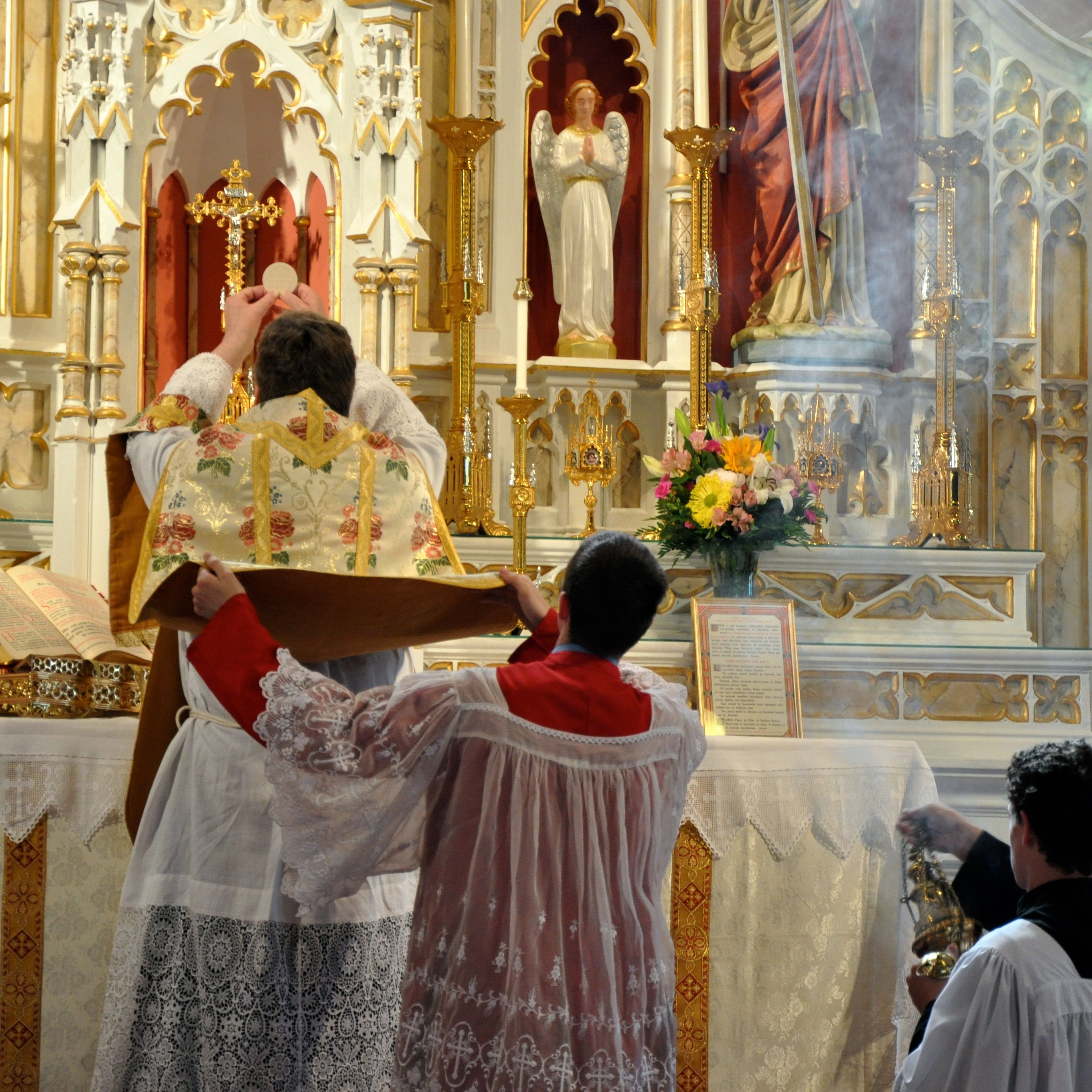 Top Changes Between the Latin Mass and the Novus Ordo