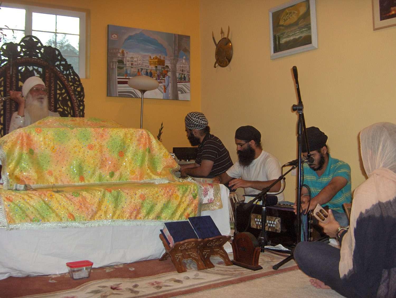 Dhan Guru Nanak Satsang