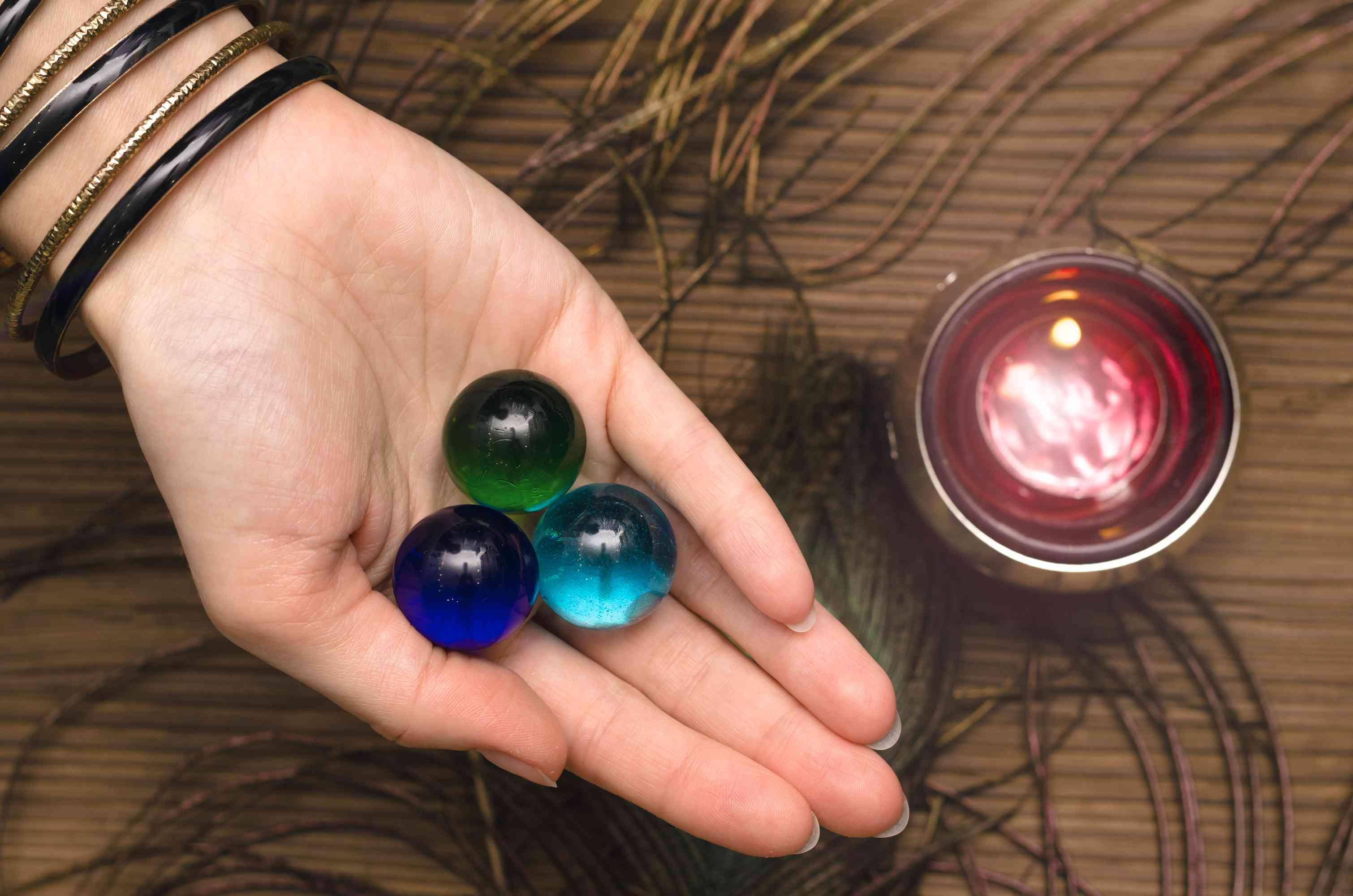 Magic stones. Divination. Talisman.