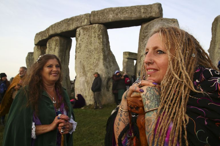 How to Meet Other Pagans & Wiccans