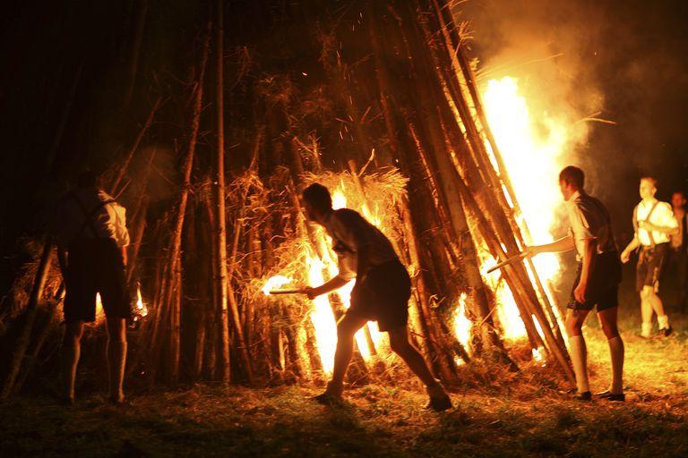 Fire, Midsummer Festival, Muensing, Bavaria, Germany