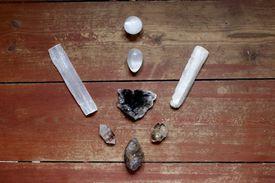 A crystal grid