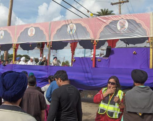Converts to Sikhism Float in Yuba City Annual Sikh Parade
