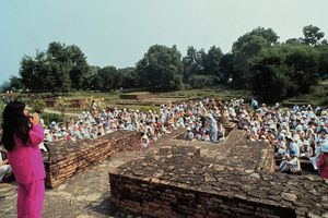 Shoko Asahara, the leader of the Aum Shinrikyo cult, addresses adherents in India