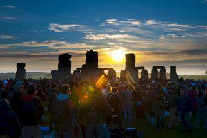 Sunrise at Litha, Stonehenge