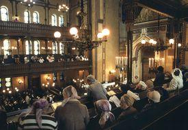 Women watching Yom Kippur service in Budapest
