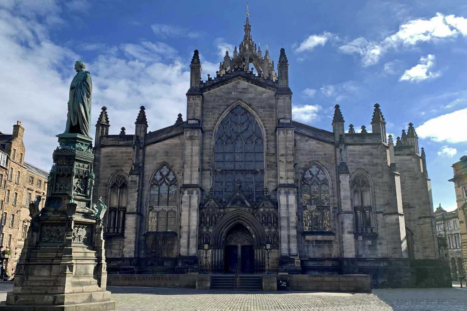 St. Giles's Cathedral in Edinburgh, with Statue of John Knox