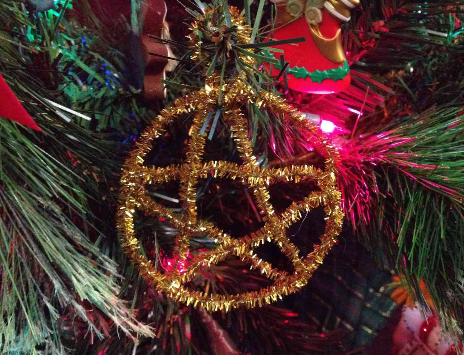 Pipecleaner Pentacle Ornament