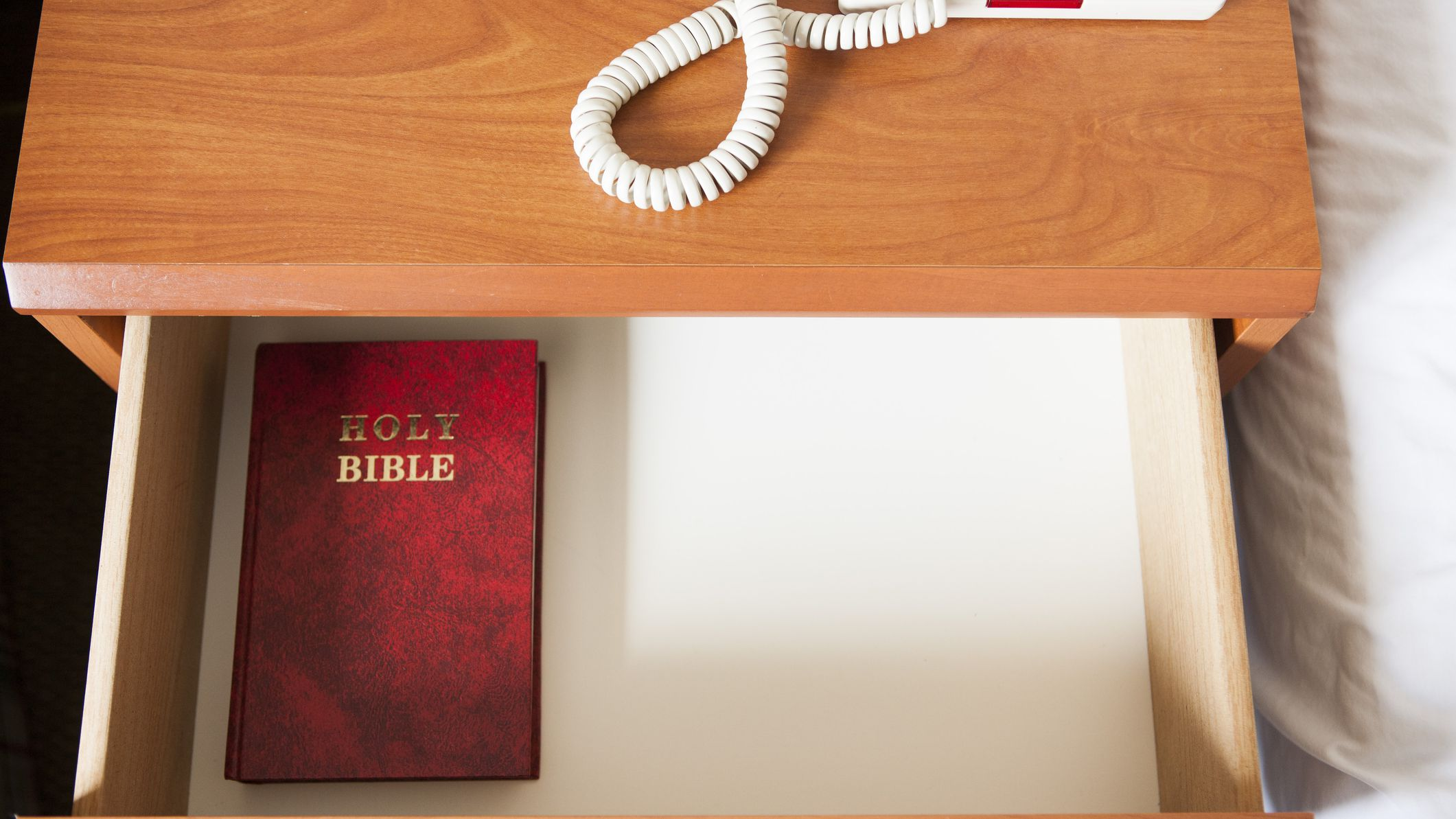 7 Ways to Get a Free Bible