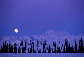 USA, Alaska, full moon over Mt McKinley