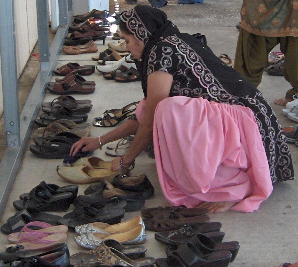 Jutti Traditional Punjabi Style Slipper