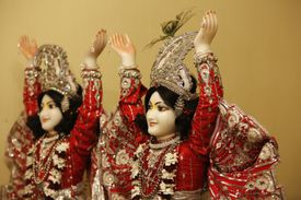 Hindu statues : Gaur and Nitai. Gaur, or Gaura, the golden one, is Chaitanaya and Nitai is a shortened form of Nityananda. Nityananda was a Vaishnava saint and Chaitana's friend and disciple. They are considered as incarnations of Balarama and Krishn
